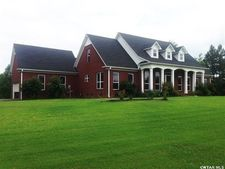 315 Masters Dr, Lexington, TN 38351