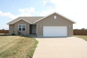 W7935 Prairie Meadows St, Town of Holmen, WI 54636