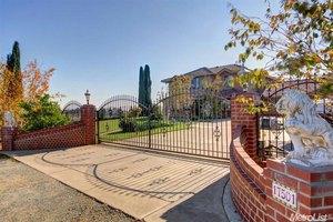 17501 Clements Rd, Lodi, CA 95240