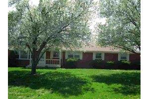 3406 Pioneer Trl, Shepherdsville, KY 40165