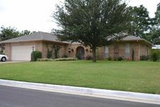 1135 Melody Dr, Ardmore, OK 73401