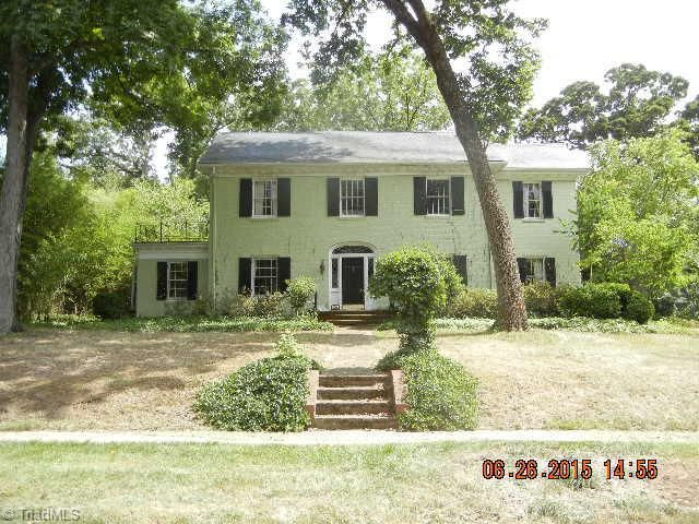 1105 Forest Hill Dr High Point, NC 27262