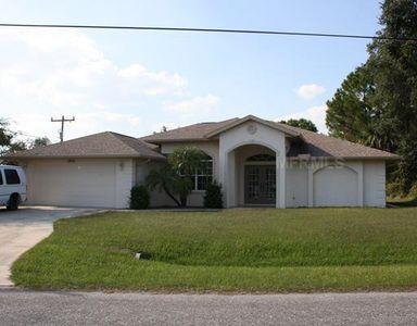 3691 Sesame St, North Port, FL