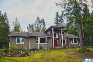 41 Buck Ct, Sequim, WA 98382