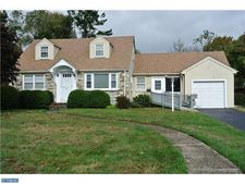 102 Burgess Ave, Morrisville, PA 19067