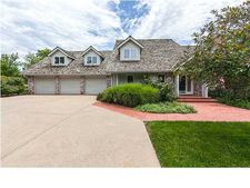 8907 E Woodcrest Cir, Wichita, KS 67206
