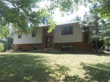 107 W Heritage Dr, Raymore, MO 64083