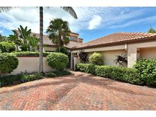 546 Bay Villas Ln, Naples, FL 34108