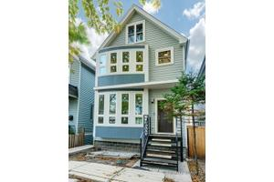 2208 N Maplewood Ave, Chicago, IL 60647