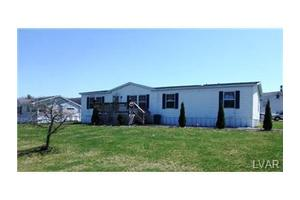 36 Sam Brooke Cir, East Penn Township, PA 18235