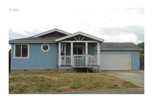 700 Penny Ln, Riddle, OR 97469