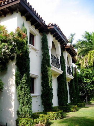 5130 N Bay Rd, Miami Beach, FL 33140