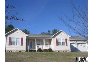2094 Lake Acres Dr, Hickory, NC 28601
