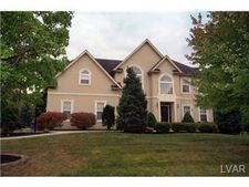 433 Kevin Dr, Hanover Township, PA 18017