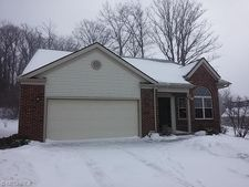 300 Eagleton Ct, Macedonia, OH 44056