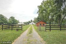 12628 Mountain Rd, Lovettsville, VA 20180