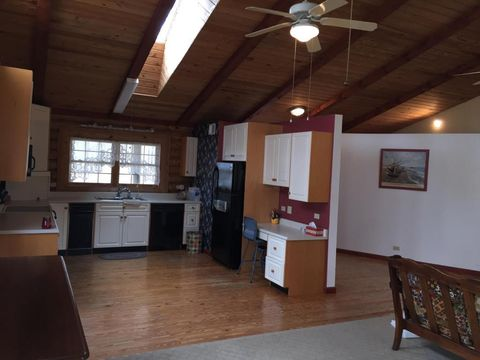 3285 Marion Rd Nw, Utica, OH 43080