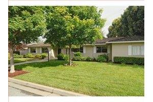19947 Garnett Ct, Saratoga, CA 95070