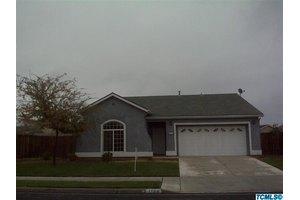 1160 Hamlin Way, Lindsay, CA 93247