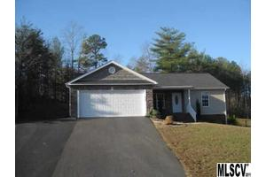 2066 Lake Acres Dr, Hickory, NC 28601