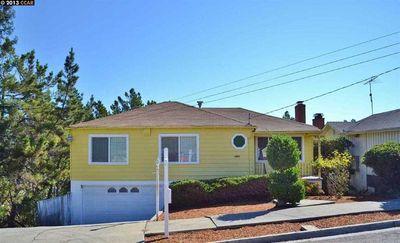 9236 Granada Ave, Oakland, CA