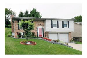 21 Orchard Knoll Dr, Reading, OH 45215