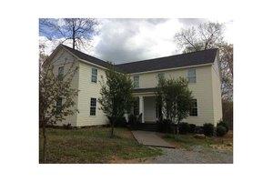 138 Curtis Cemetery Rd SE, Calhoun, GA 30701