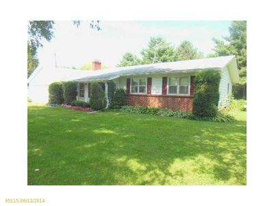 85 Water St, Howland, ME
