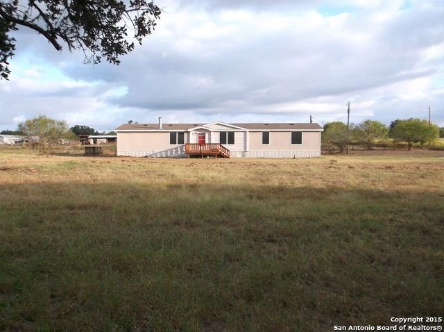 2735 county road 7711 devine tx 78016 home for sale