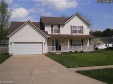 411 Parkview Dr, Sheffield Lake, OH 44054