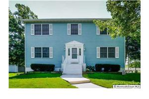 28 Golfview Dr, Neptune Township, NJ 07753