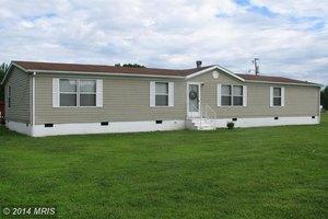 2286 Erica Rd, Montross, VA 22520