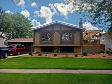 15447 Alameda Ave, Oak Forest, IL 60452