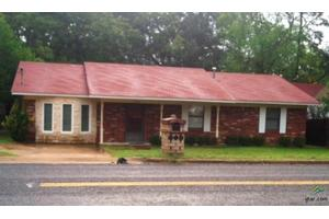 912 N Edwards Ave, Mt Pleasant, TX 75455