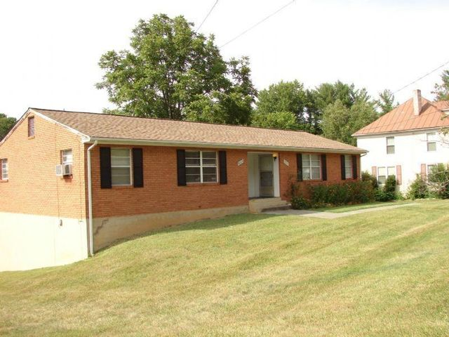 Home for rent 3343 colonial ave sw roanoke va 24018 for Home builder in roanoke va
