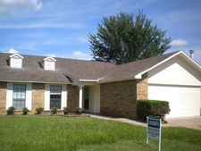 2408 Chinaberry Dr, Bedford, TX 76021