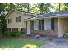 7480 Rountree Dr, Riverdale, GA 30274