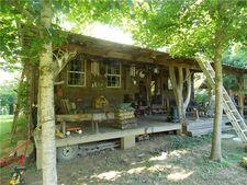 1085 Chapel Farm Rd, Clifton, TN 38425