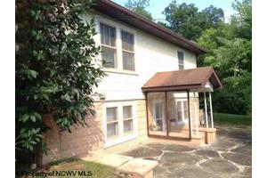171 Pine Bluff Rd, Shinnston, WV 26431