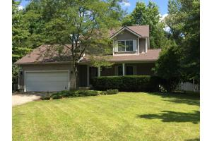 3840 Pine Meadow Rd, New Albany, OH 43054