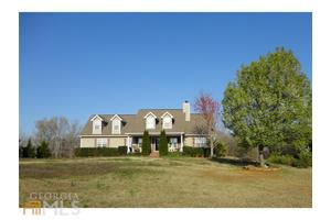 851 Lakeside Rd, Griffin, GA 30224