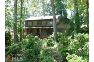 4337 Cedar Wood Dr SW, Lilburn, GA 30047