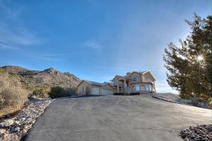 18 Desert Mountain Rd SE, Albuquerque, NM 87123