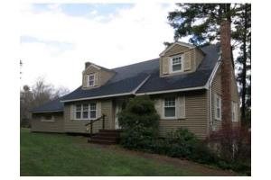 54 High St, Walpole, MA 02081