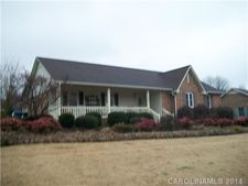708 Sandhurst Dr, Kings Mountain, NC 28086
