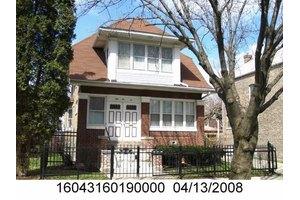 5510 W Walton St, Chicago, IL 60651