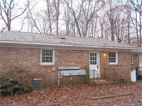 1953 Stallings Rd, Matthews, NC 28104