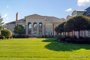 37 Polo Dr, South Barrington, IL 60010