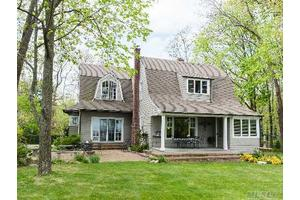 Photo of 10 Bevin Rd East,Northport, NY 11768