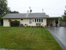 608 Auburn Rd, Fairless Hills, PA 19030